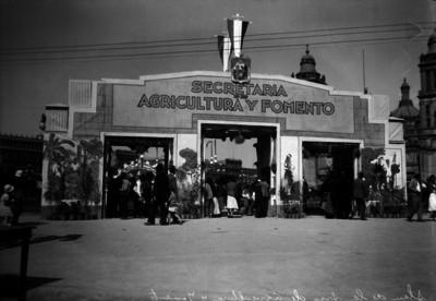 Stand de exposición de la Secretaría de Agricultura y Fomento, Zócalo capitalino