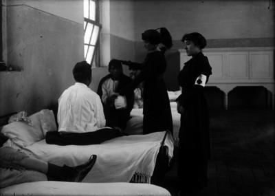 """""""Revolucionarios heridos"""", visitados por mujeres"""