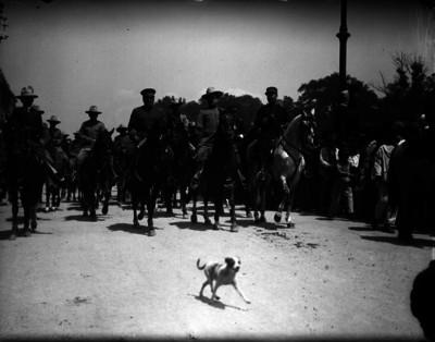 Alvaro Obregón y ejército constitucionalista entran a a la ciudad de México