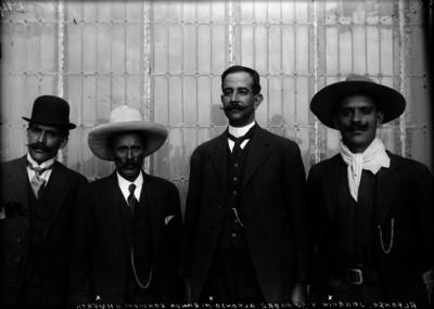 Alfonso, Joaquín y su padre Alfonso Miranda rendidos a Huerta