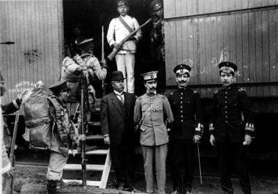 Rodrigo Paliza con los oficiales de su Estado Mayor, retrato de grupo
