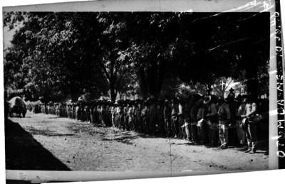 Infanteria de Yaquis, en su avance rumbo al centro del país