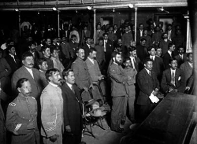 Delegados de la Convención durante una sesión en el interior del Teatro Morelos