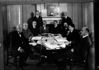 Diplomáticos mexicanos y norteamericanos durante conferencias en Estados Unidos