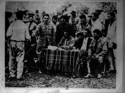 Lucio Blanco durante el reparto agrario en el norte del país