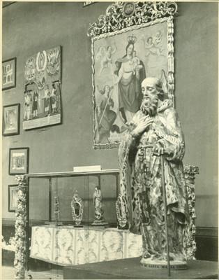 Escultura en madera dorada y estofada en museo