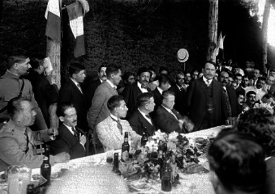Alvaro Obregón pronuncia un discurso durante un banquete ofrecido en Coyoacán
