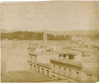 Campanarios y edificios, vista panorámica