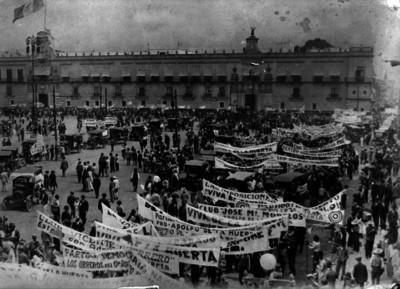 Manifestación de apoyo al candidato a la Presidencia Adolfo de la Huerta