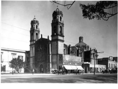 Panorámica del templo de la Santa Veracruz en la delegación Cuauhtémoc