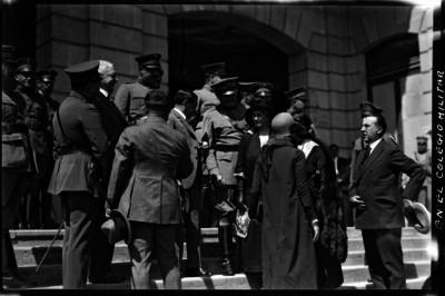 Civiles visitan el Colegio Militar
