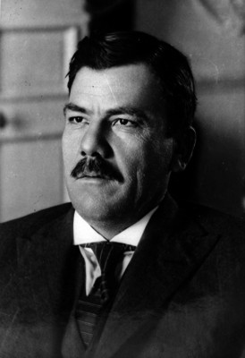 Plutarco Elías Calles, retrato