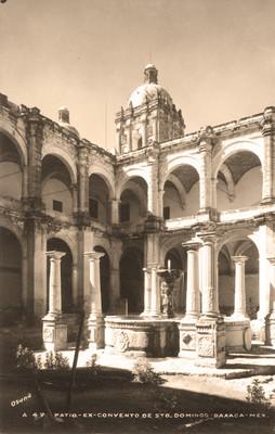 Patio del Convento de Santo Domingo