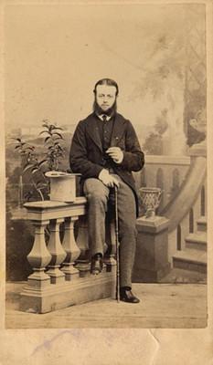 Hombre con bastón, tarjeta de visita