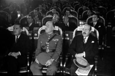 Jaime Torres Bodet, Francisco L. Urquizo y Eduardo Suárez en la Cámara de Diputados