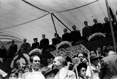 Manuel Ávila Camacho y comitiva en el palco de honor del Estadio Nacional