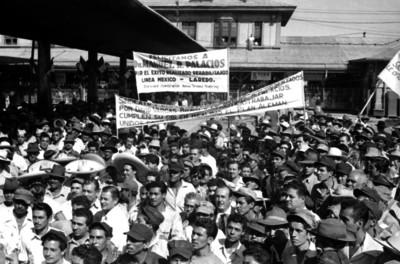 Manifestación de ferrocarrileros de la ruta México-Laredo