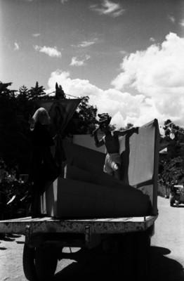Representación de la toma de Guanajuato por las tropas de Miguel Hidalgo y Costilla en un carro alegórico