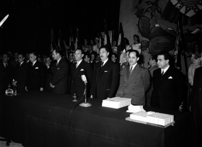Miguel Alemán Valdés presidiendo la ceremonia inaugural de los cursos de la Universidad Nacional