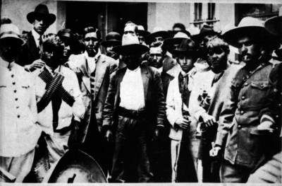 Eufemio Zapata acompañado por su Estado Mayor, retrato de grupo