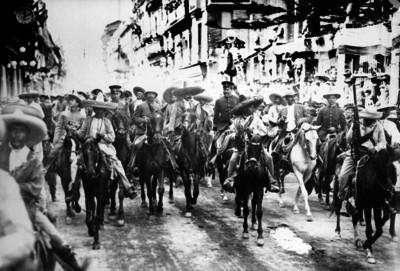 Francisco Villa y Emiliano Zapata entran a la Ciudad de México
