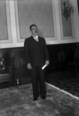 Lázaro Cárdenas en el Palacio Nacional, retrato