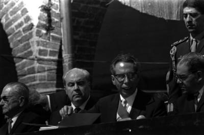 Gustavo Díaz Ordaz presidiendo una ceremonia en Querétaro