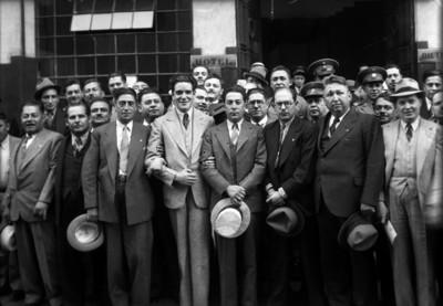 Luis I. Rodríguez y miembros del Comité Ejecutivo del Partido de la Revolución Mexicana, retrato de grupo