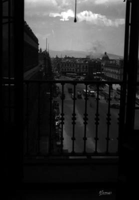 Vista desde la calle de 5 de febrero, ventana del Gran Hotel
