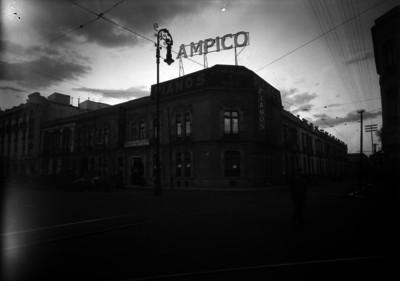 """Tienda de pianos """"Ampico"""", fachada"""