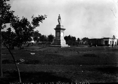 Monumento a José María Morelos y Pavón en la Calzada México-Tacuba