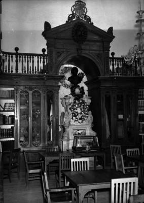 Biblioteca de la Universidad de San Nicolas, interior