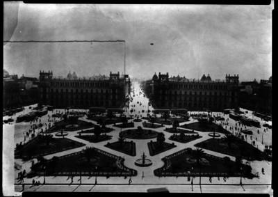 Plaza de la Constitución de la ciudad de México y vida cotidiana, panorámica