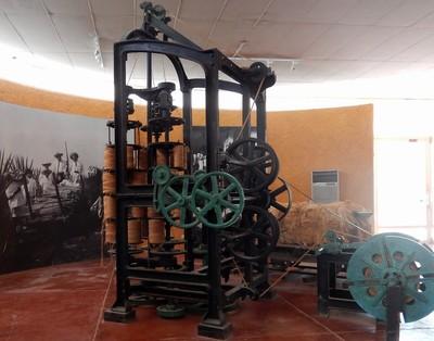Máquina para fabricar hilo de henequén