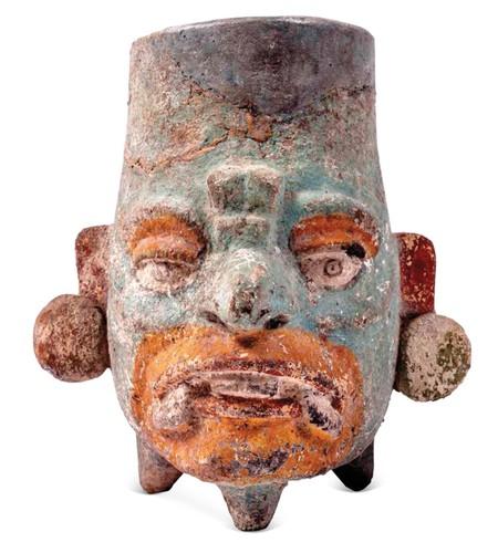 Vaso con el rostro de Chaahk, deidad de la lluvia