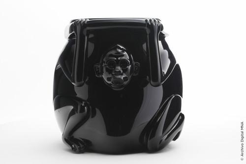 Vasija Mono de Obsidiana