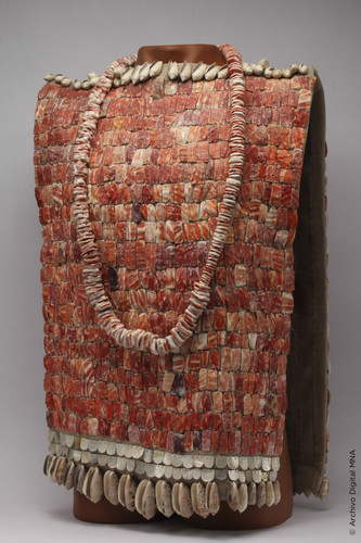 Peto Ceremonial y Collar de Tula