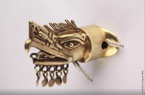 Bezote Águila Con La Representación del Dios Koo Sau