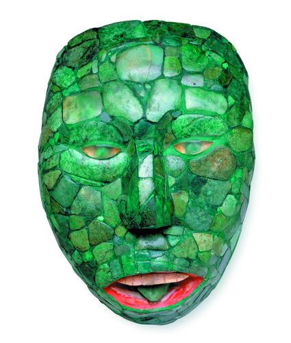 Máscara de piedra verde