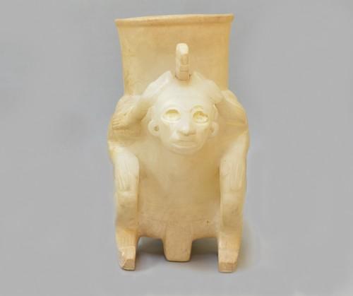 Vasija efigie de alabastro o Tecali