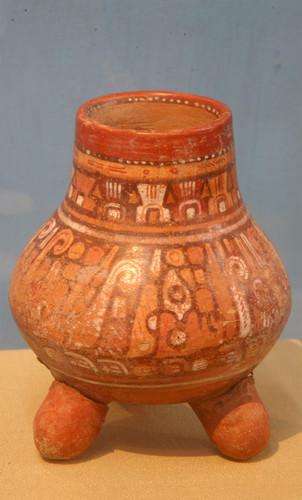 Olla trípode de la tradición Aztatlán