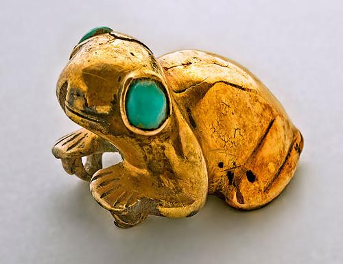 Figurilla en forma de rana