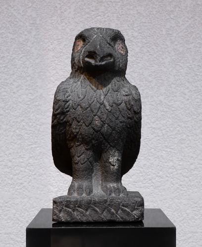 Águila esculpida