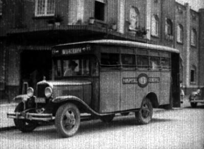 Camión de pasajeros con ruta Hospital General