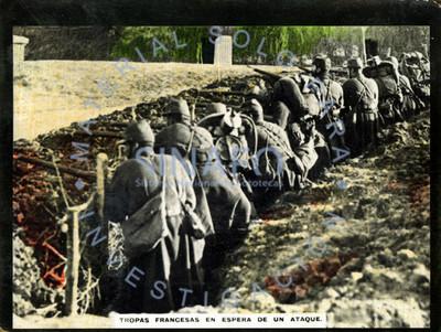 Tropas francesas en espera de un ataque