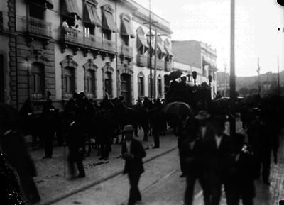 Cortejo fúnebre en las calles