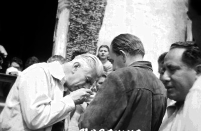 Ignacio Marquina analizan material arqueológico