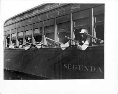 Federales contestan el ataque de los zapatistas desde ferrocarril