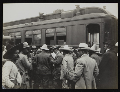 Francisco I. Madero en la estación de tren de Cuernavaca