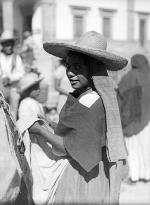 Mujer otomí con sombrero, retrato